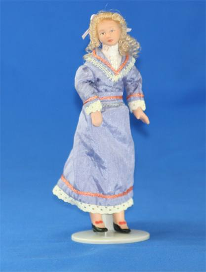Sl1105 - Woman with violet dress
