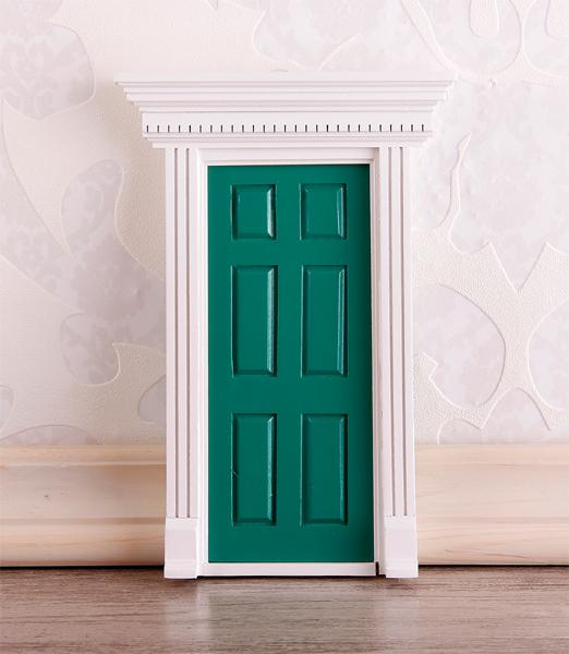 Cp0065 - Green entrance door