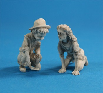 Tc0007 - Boy and girl figures for garden