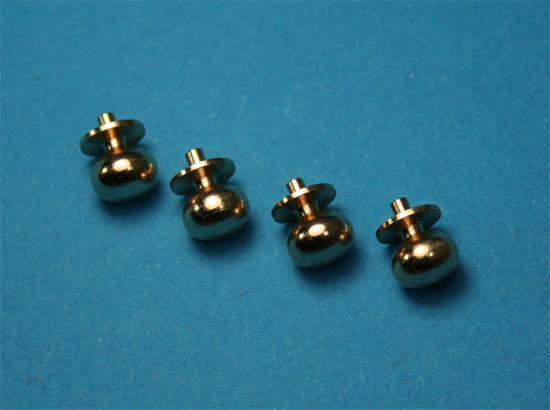 Tc0613 - Cuatro pomos dorados