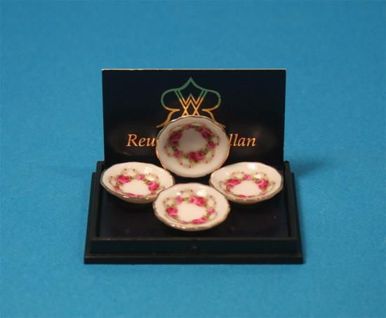 Re13588 - Cuatro platos con rosas