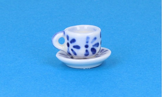 Cw0181 - Decorated blue plate and tea cup
