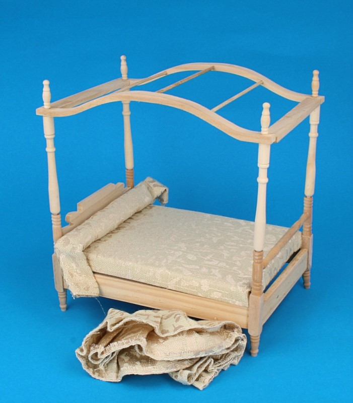 Mb0053 - Bed with a canopy