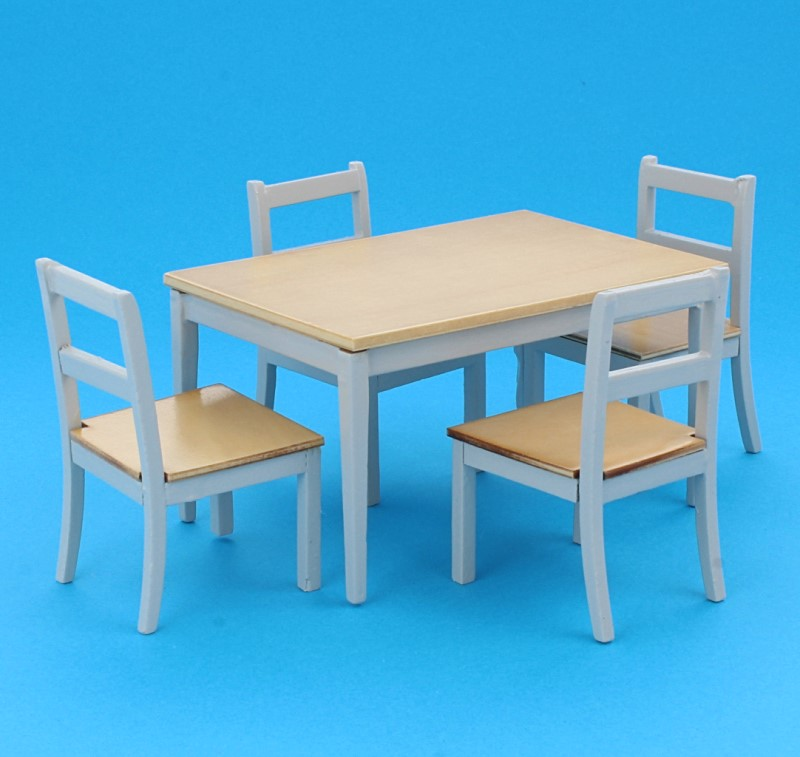 Cj0004 - Set of table and four chairs
