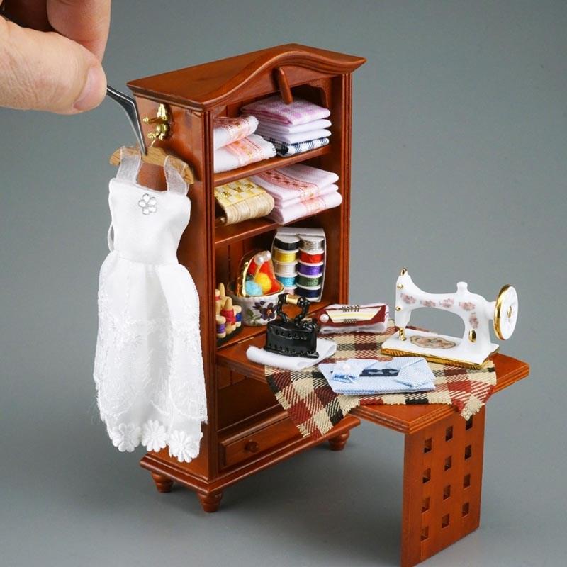 Re17110 - Sewing Closet