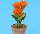 Sm4745 - Flower pot with orange flowers