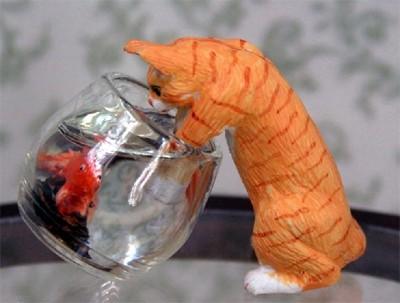 Tc1527 - Gato con pecera