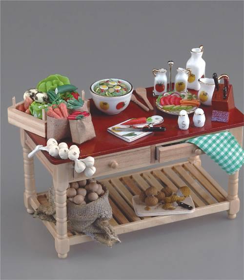 Re17277 - Mesa preparando verduras