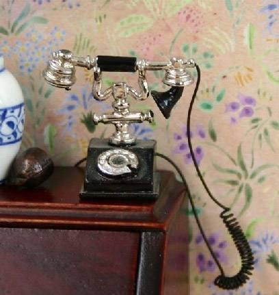 Tc0498 - Teléfono antiguo