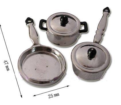Tc0731 - Pentola e padelle argentate