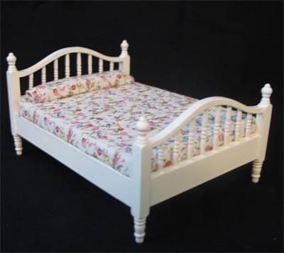 Mb0090 - Weißes Bett