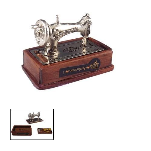Tc0807 - Maquina de coser color plata
