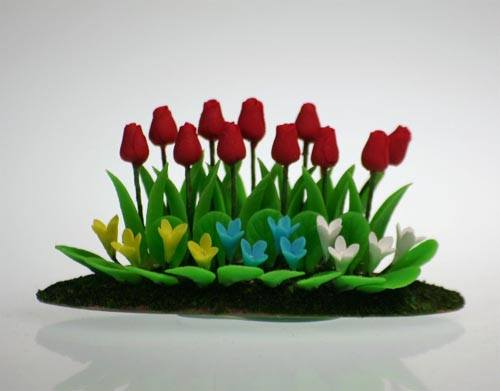 Tc0909 - Planta con tulipanes
