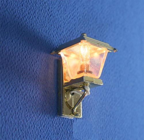 Sl3360 - Lampada dorata piccola